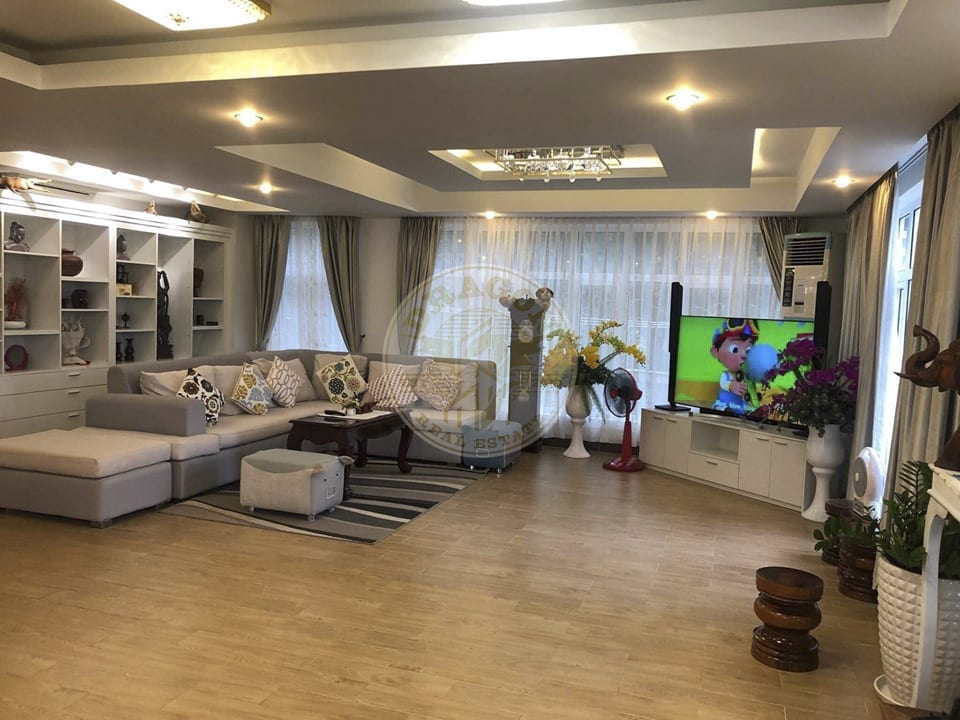 Villa with Land for Rent