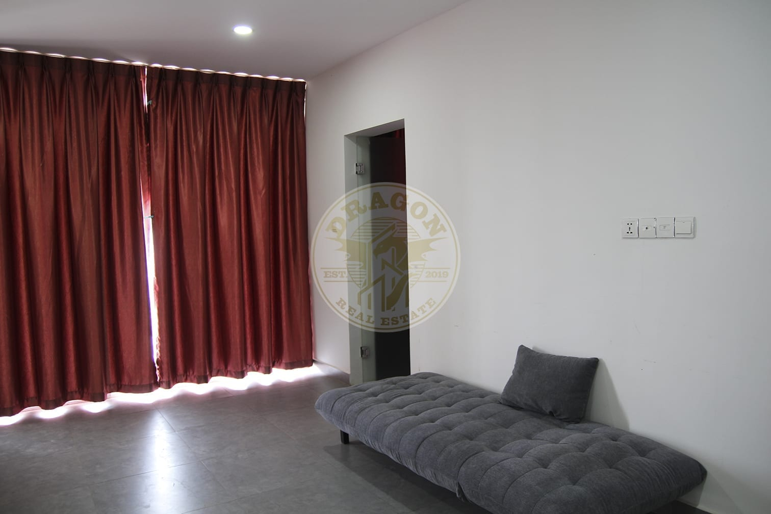Villa with 6 Bedrooms and Bathroom. Real Estate in Sihanoukville