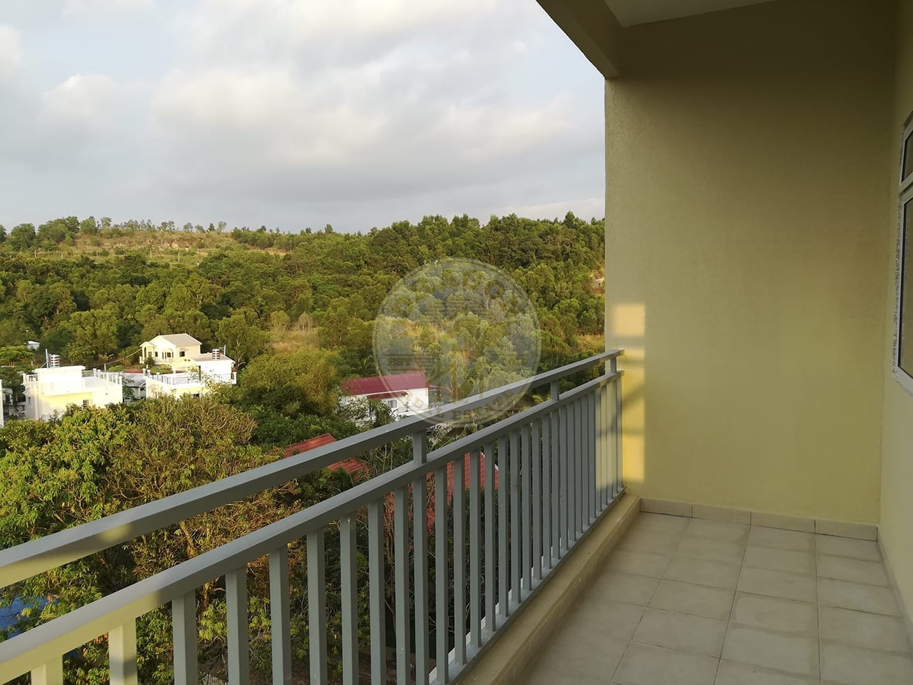 Apartment w/ One balcony for Rent. Real Estate Sihanoukville