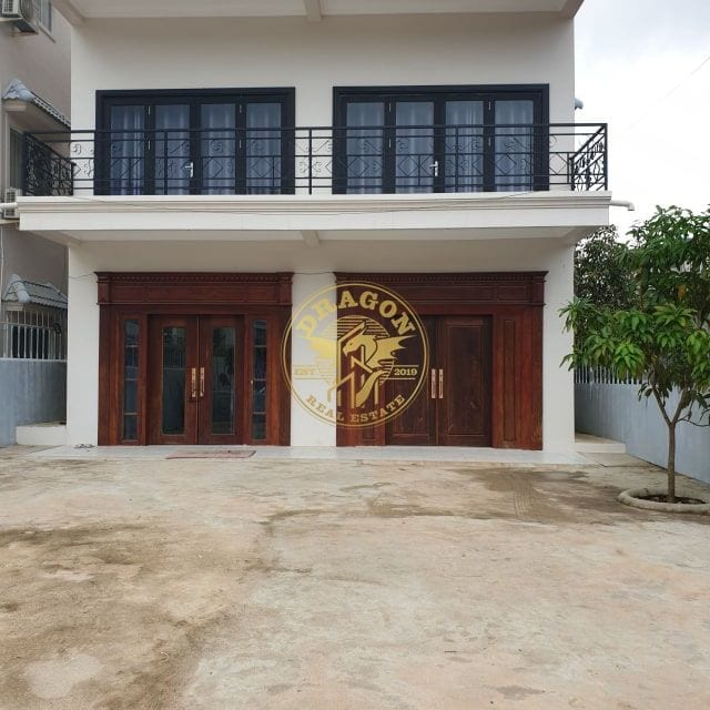 7 Bedrooms House For Rent In Kampong Som