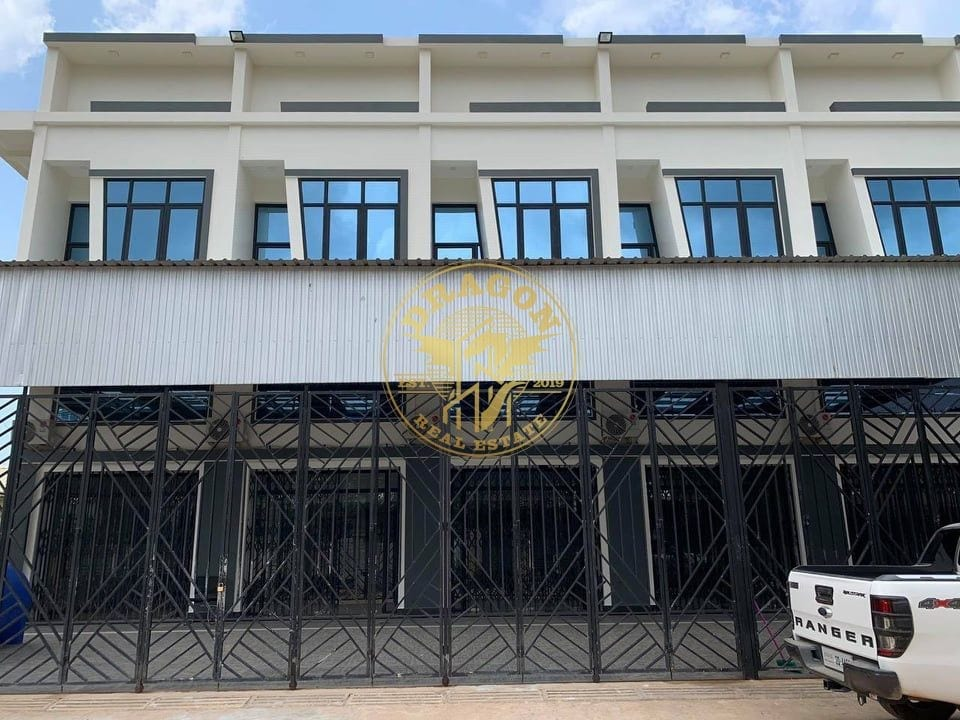 4 Separated House For Rent With Generator