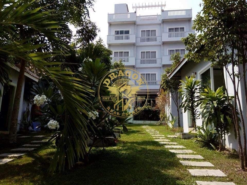 Hotel With Bungalow Near Beach For Rent